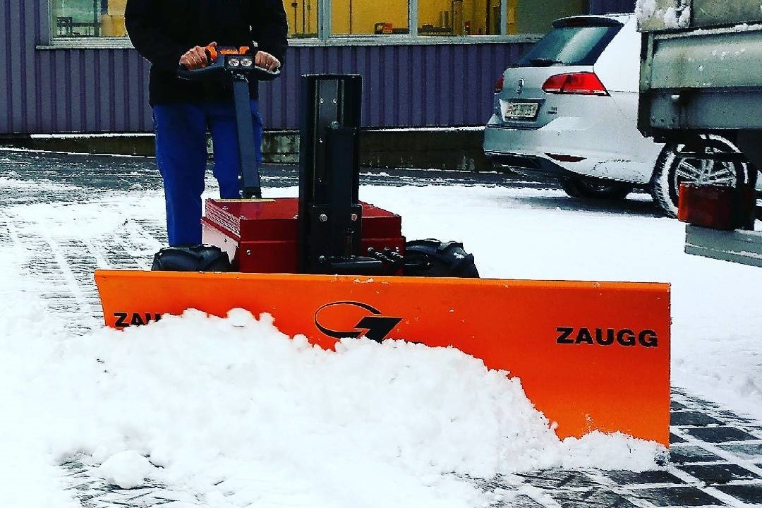 Multi Mover Schneeschieber